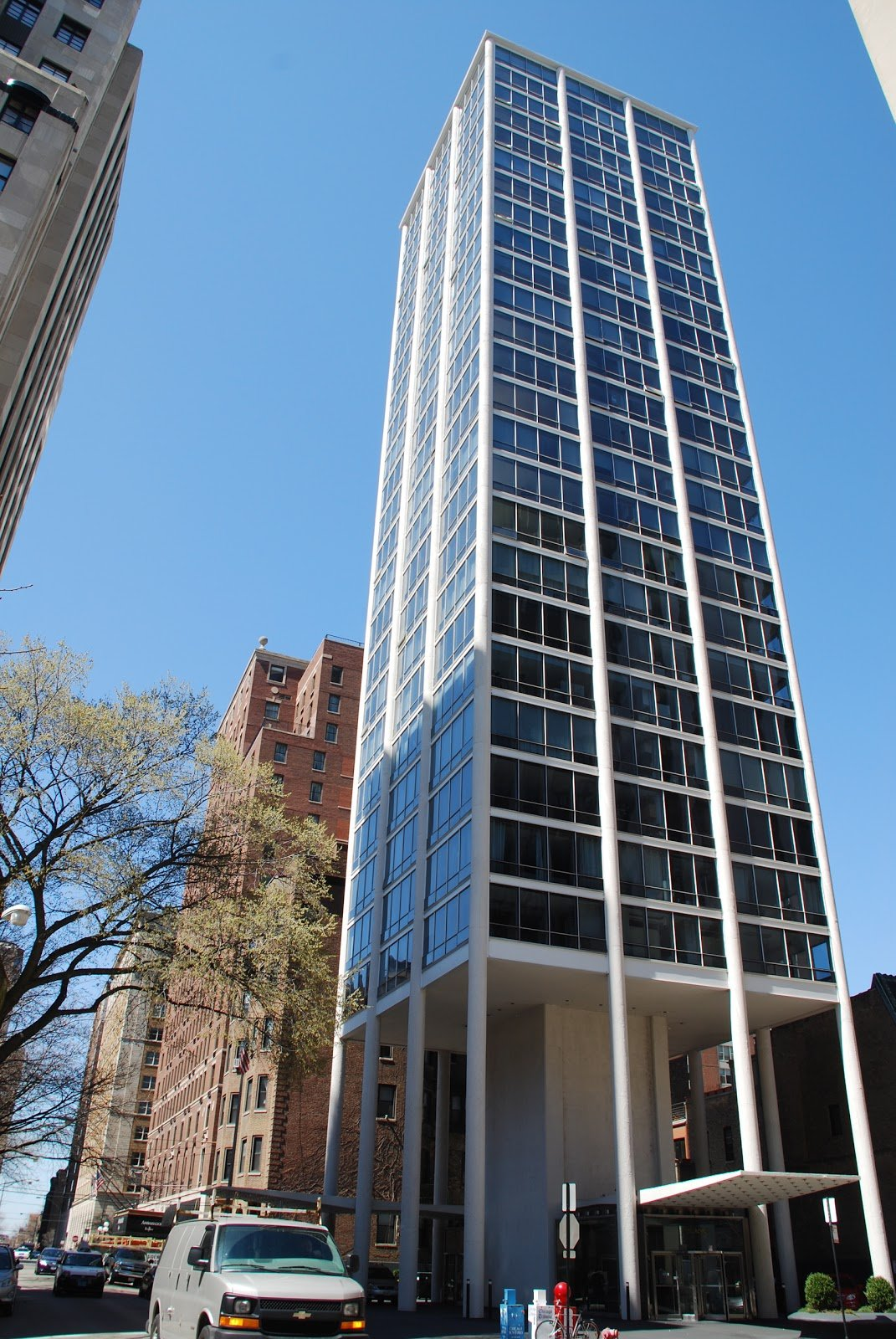Current appearance of Astor Tower