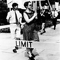 Barbara Gittings picketing outside the White House by Kay Tobin Lahusen,  New York Public Library Manuscripts and Archives Division (reproduced under Fair Use)