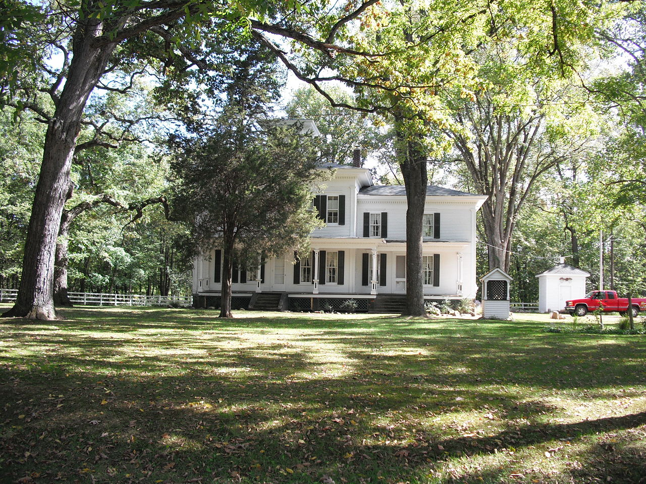 The George Newton House was built in 1865 in the Italianate style.