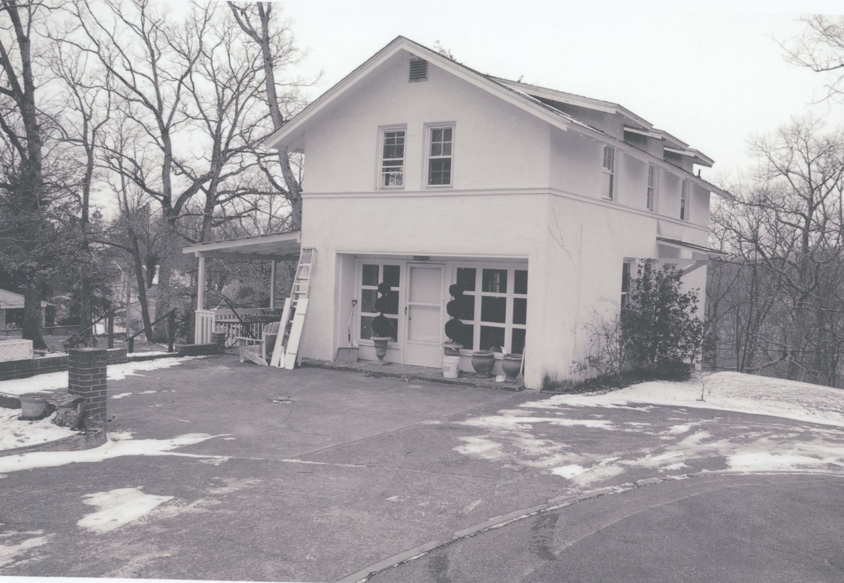 Kenwood's garage, which was converted into a guest house in 1975
