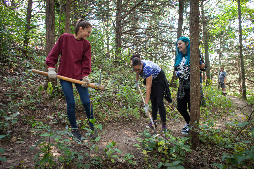 Students volunteer to do trail maintenance.  Photo by Cameron Gillie, used with permission.