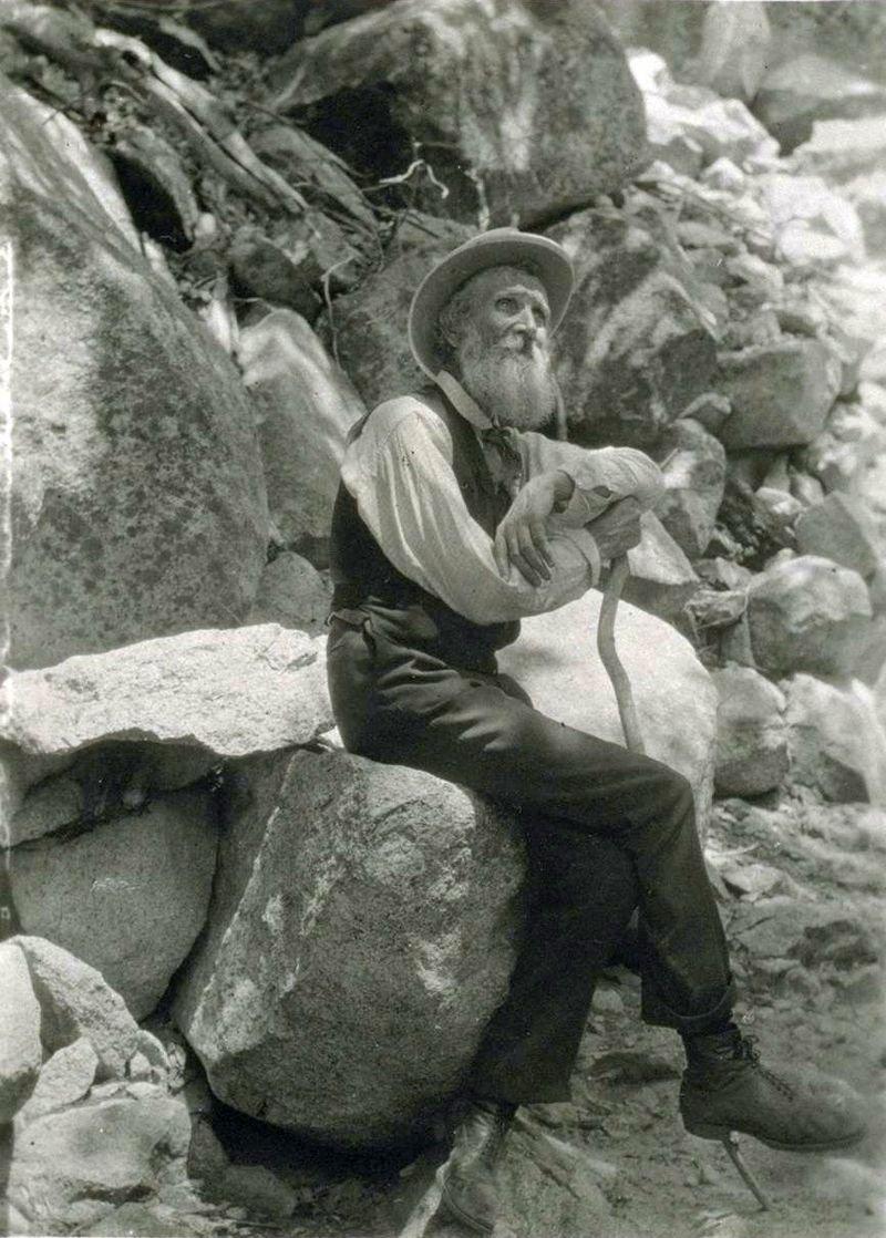 A photo of John Muir taken in 1907.