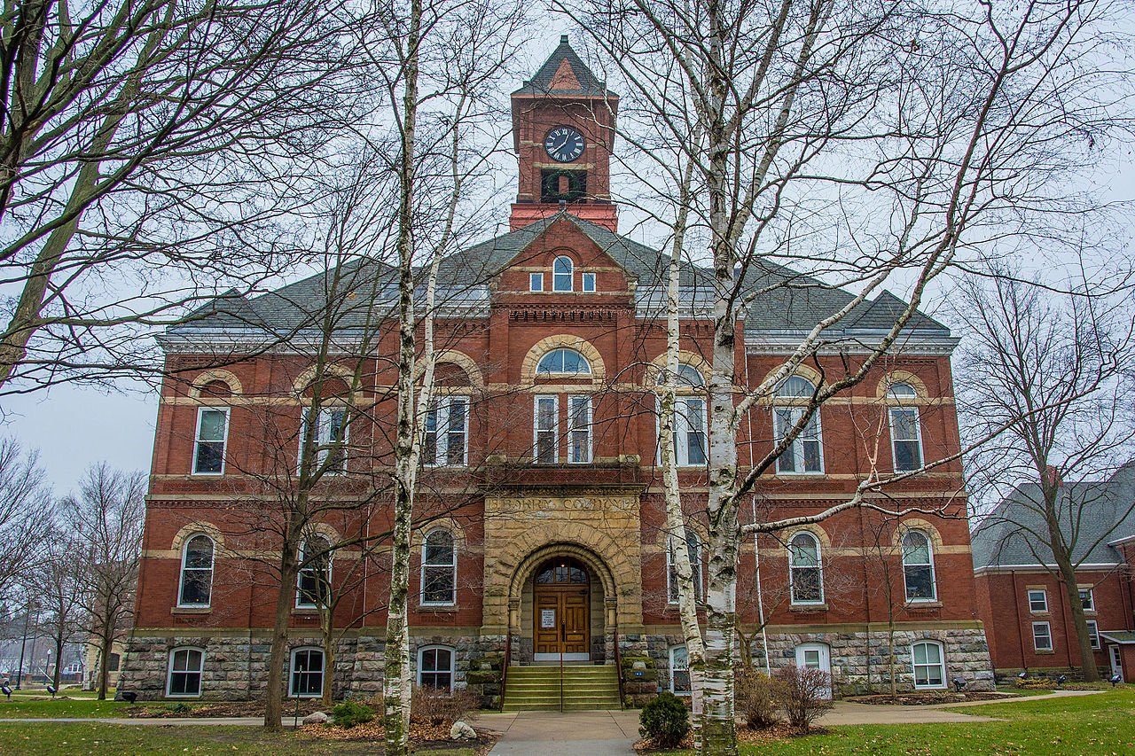 Barry County Courthouse was built in 1894 and remains the seat of county government.