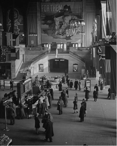 Historic black and white photograph inside Chicago Union Station
