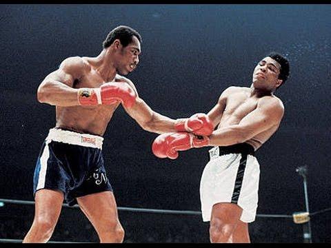 Ken Norton boxing Muhammad Ali.