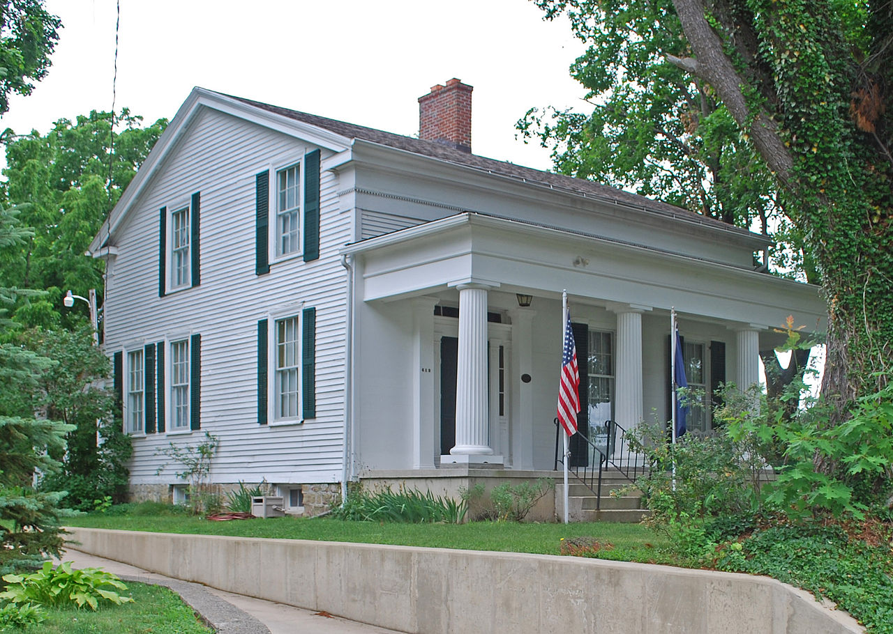 The Governor's Mansion was built in 1839 by James Wright Gordon, who hoped that Marshall would become the state capital. It is operated as a museum today.