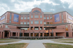 An image of the front of the Alumni Memorial Union