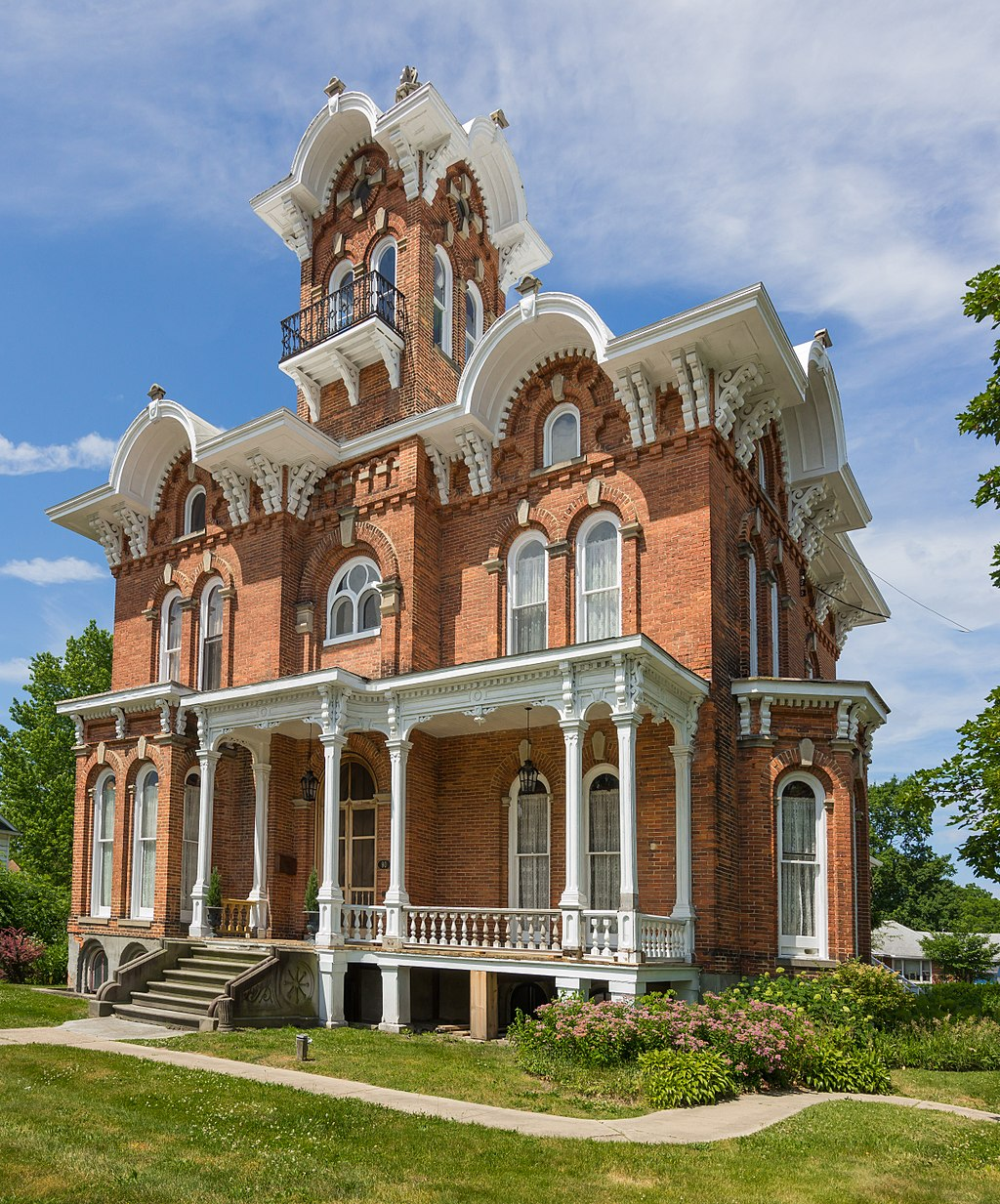 The Lanphere-Pratt House was built in the early 1870s by Alvin T. Lanphere. It is one of the town's most extravagant homes.