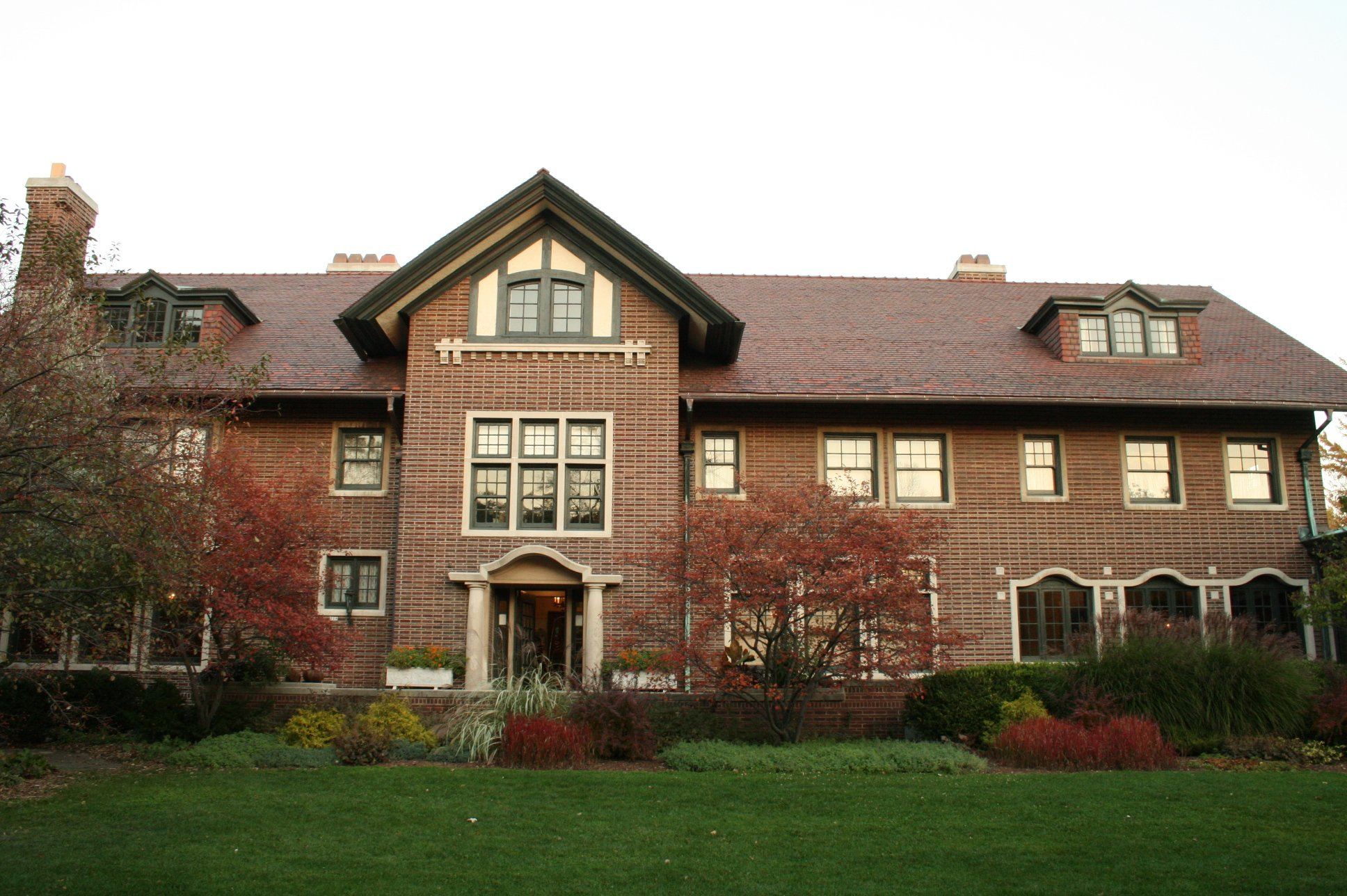 Cheney Mansion facade
