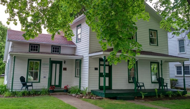 The Robert Green Ingersoll Birthplace Museum opened in 1993.