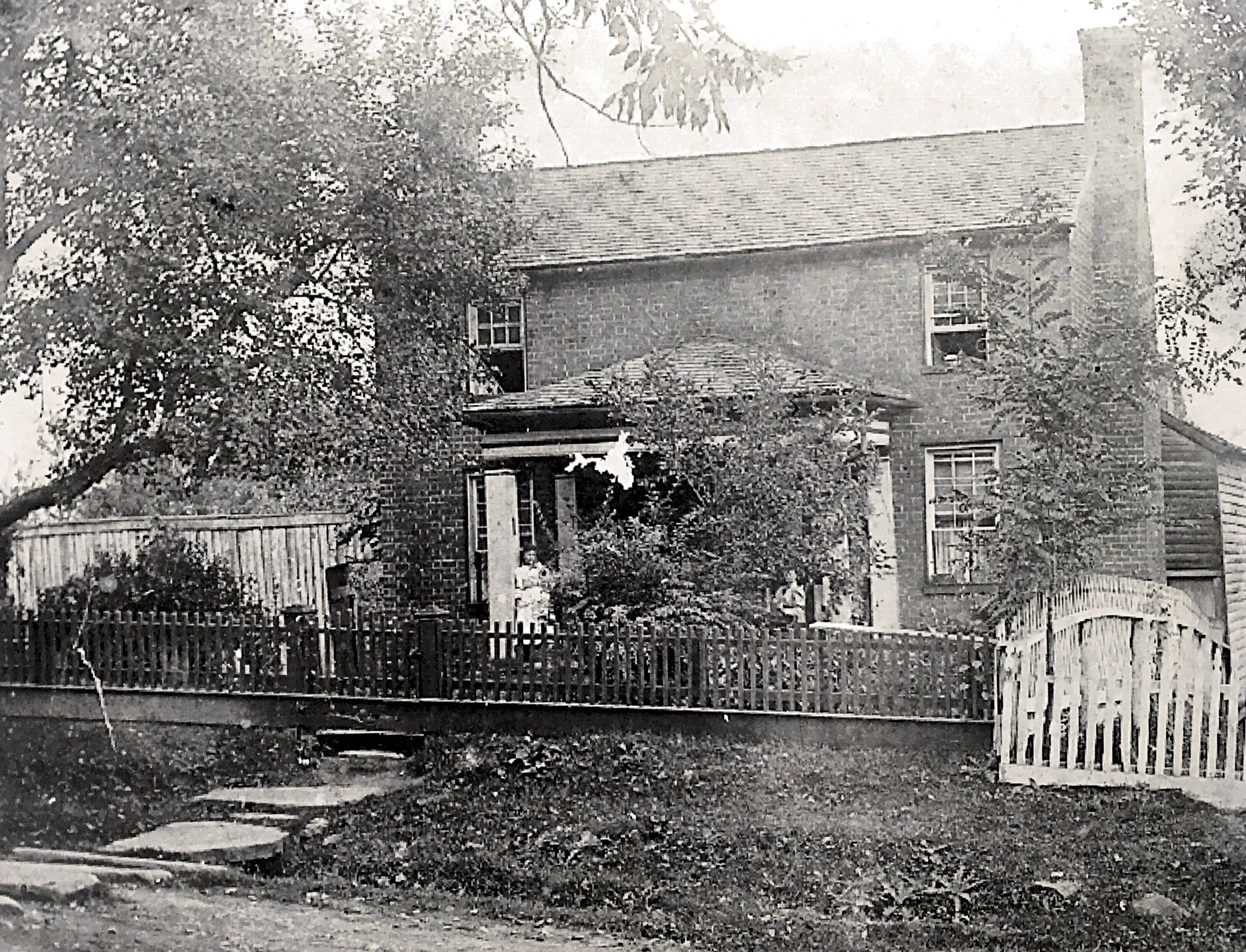 Photo of house before the additions. Courtesy of Greenbrier Historical Society. Date unknown.