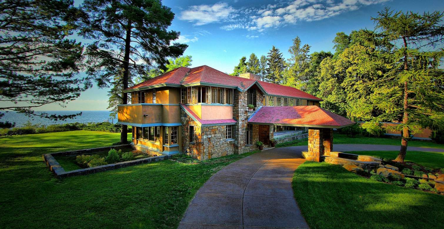 Graycliff was built in 1926 for Isabelle and Darwin Martin. It was designed by Frank Lloyd Wright.