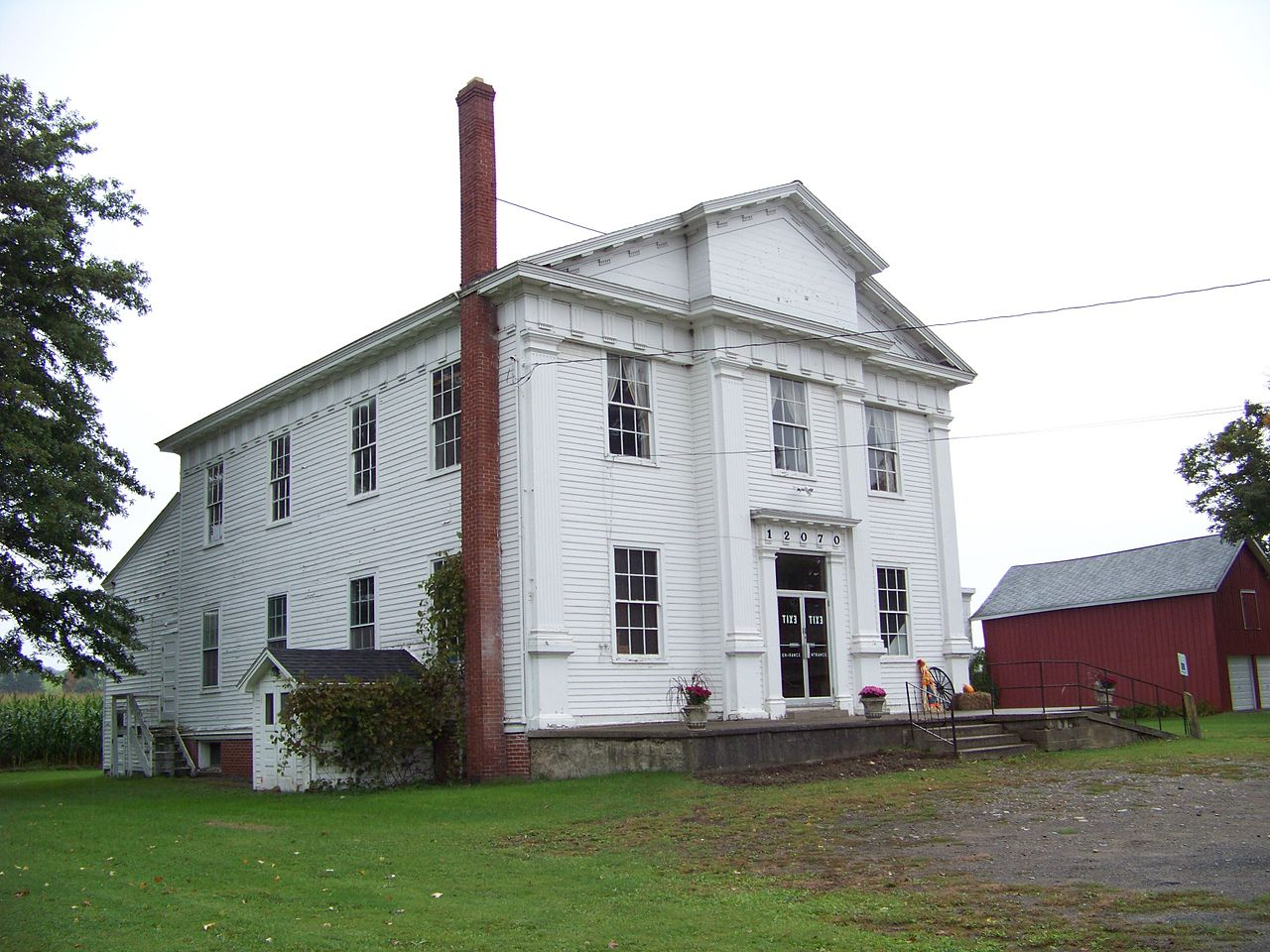 The Old Sardinia Town Hall was built in 1830 and is home to the Sardinia Historical Society and Museum.