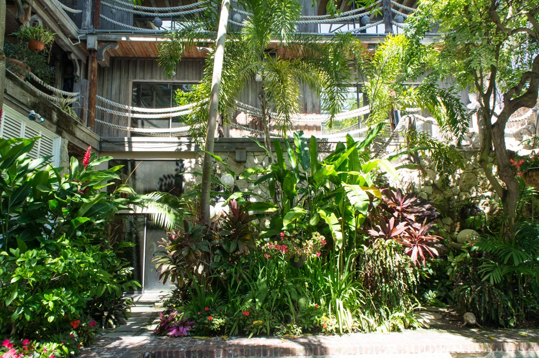 Casa Antigua Gardens