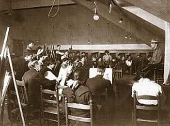 A drawing class held within the Cleveland School of Art.
