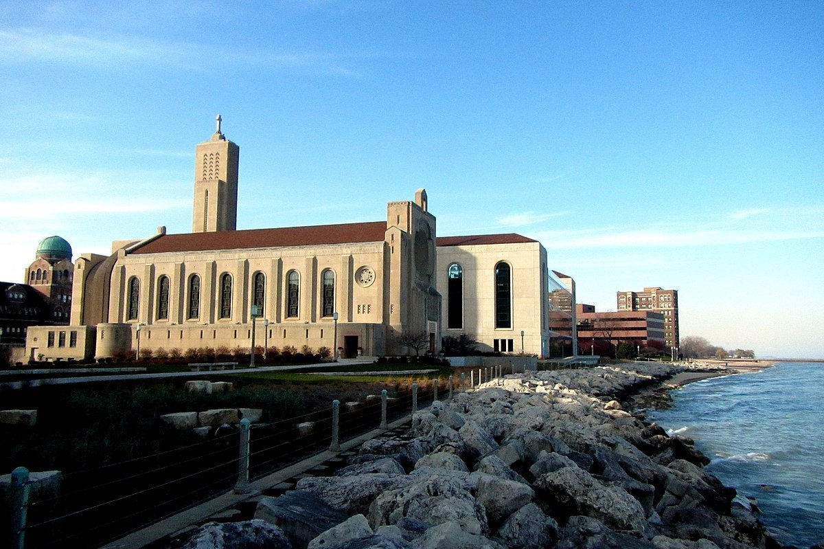Shoreline image of Madonna Della Strada Chapel at Loyola University Chicago.