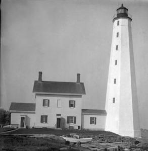 The New London Harbor Lighthouse was built in 1801 (the keeper's house was added in 1863) and still functions as a navigational aid operated by the U.S. Coast Guard.