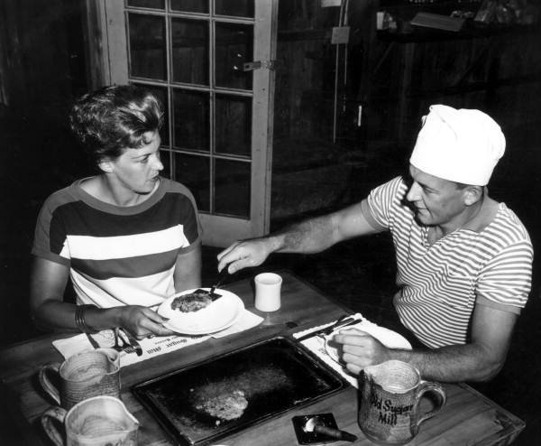 Dee & Norma Sawl At Old Mill Restaurant (1963)