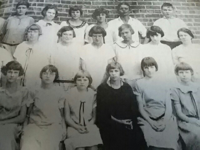 Detail from class image, 1924-25 of Elizabeth Wetherell's 8th Grade class at Hawthorne.t Haw