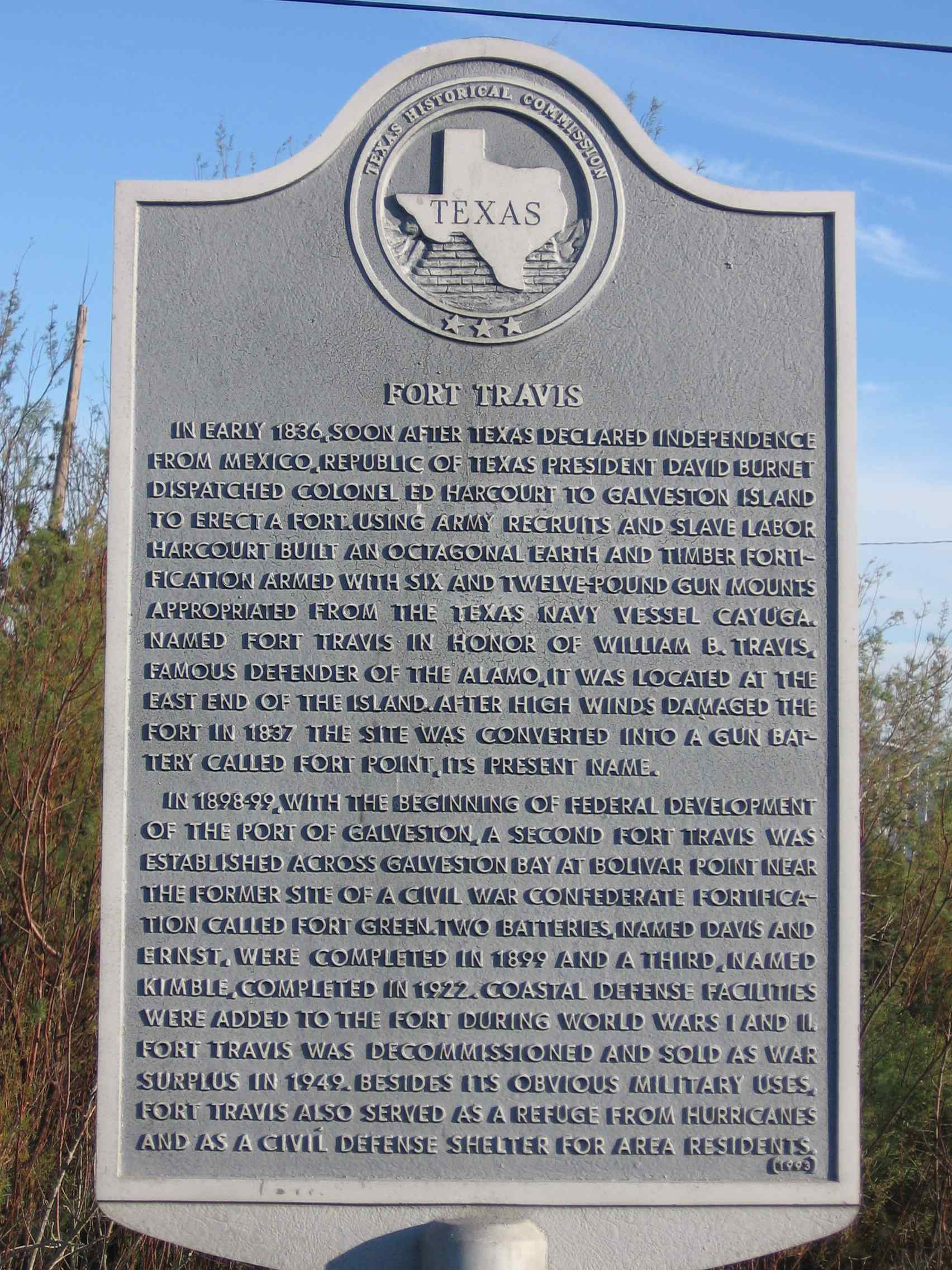 Historical Marker for Fort Travis, located in Fort Travis Seashore Park.