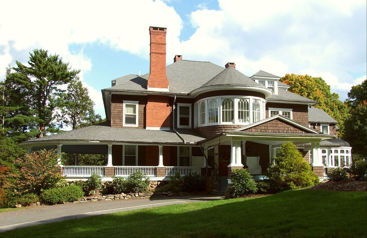 Tarrywile Mansion was built in 1897 and is available to rent for weddings and other events.