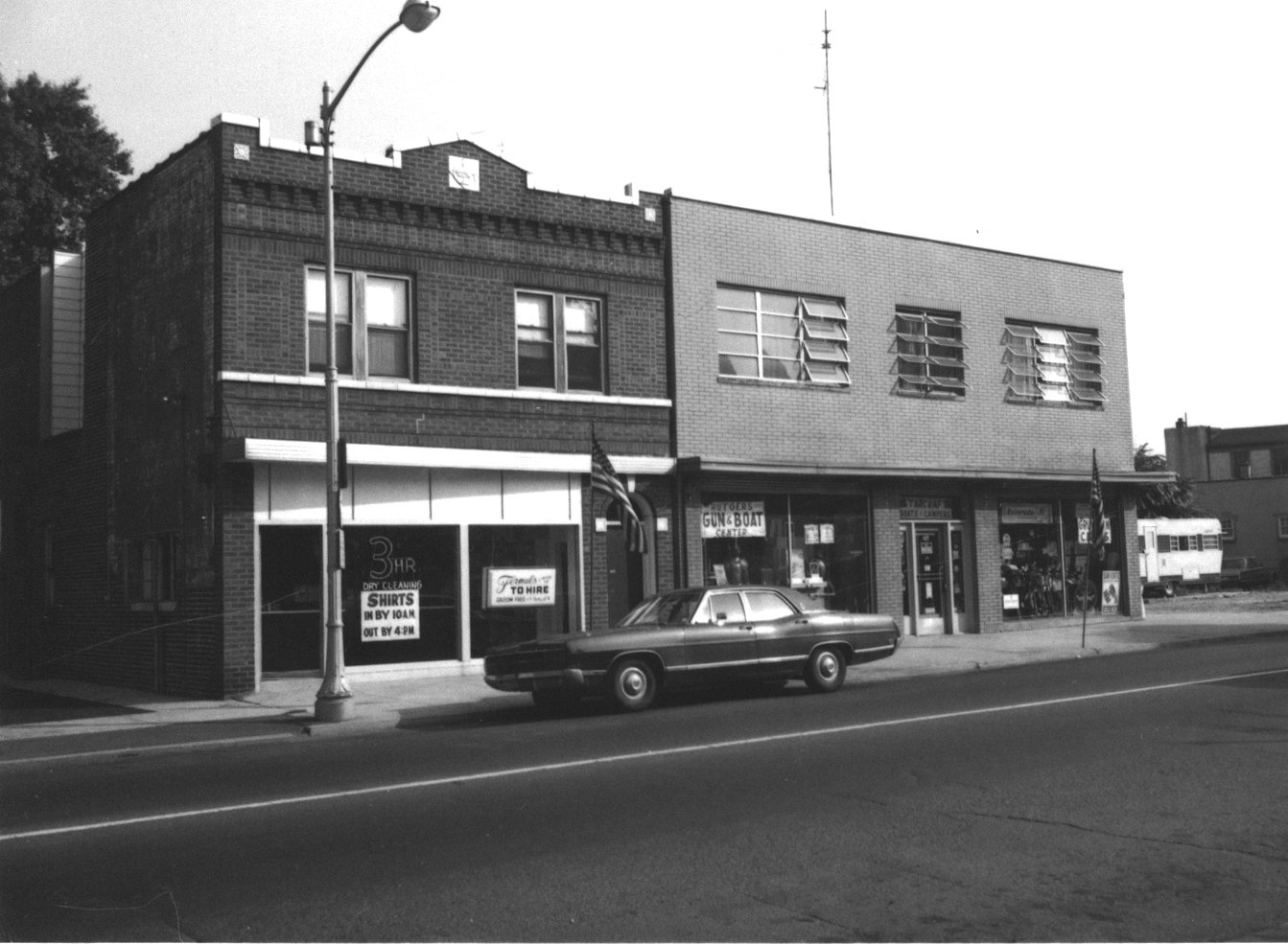 125 and 127 Raritan Avenue in 1972