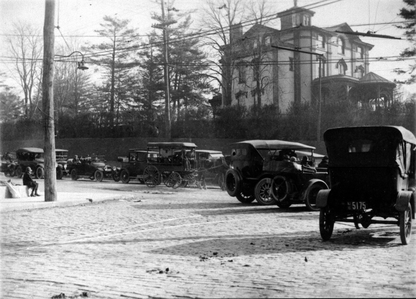 Meyer-Rice Mansion viewed from River Road in the early 20th century