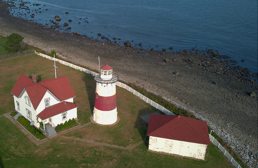 Stratford Point Lighthouse was built in 1822 and continues to operate as a navigational to ships.