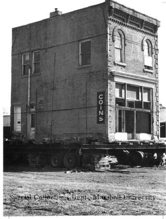 Moving the old Huntington Bank Building to Heritage Station in 1975