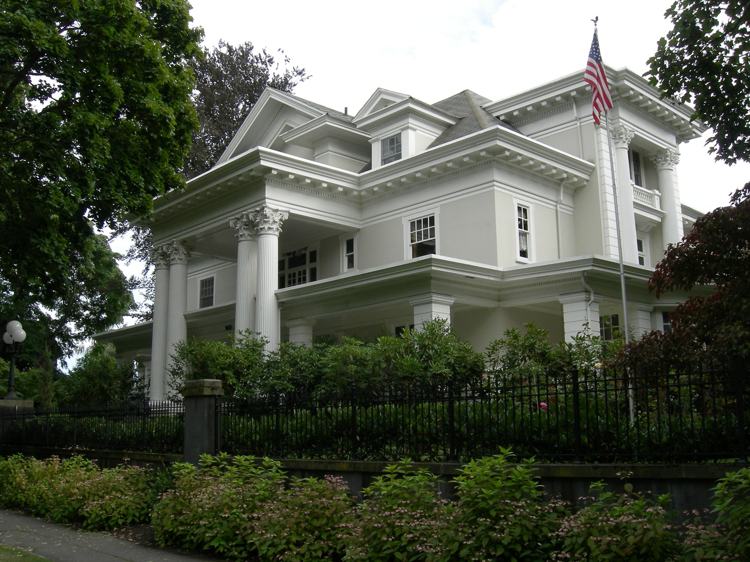 A modern recreation of an old photograph of the Parker-Fersen mansion, emphasizing its grandeur.