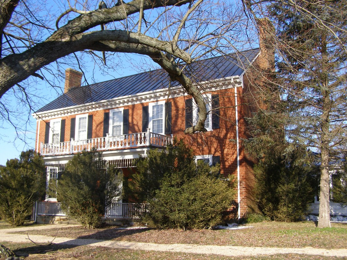 The front brick-side of Liberty Hall, addition to the house in 1815. Used with permission by DHR, https://www.dhr.virginia.gov/historic-registers/009-0013/