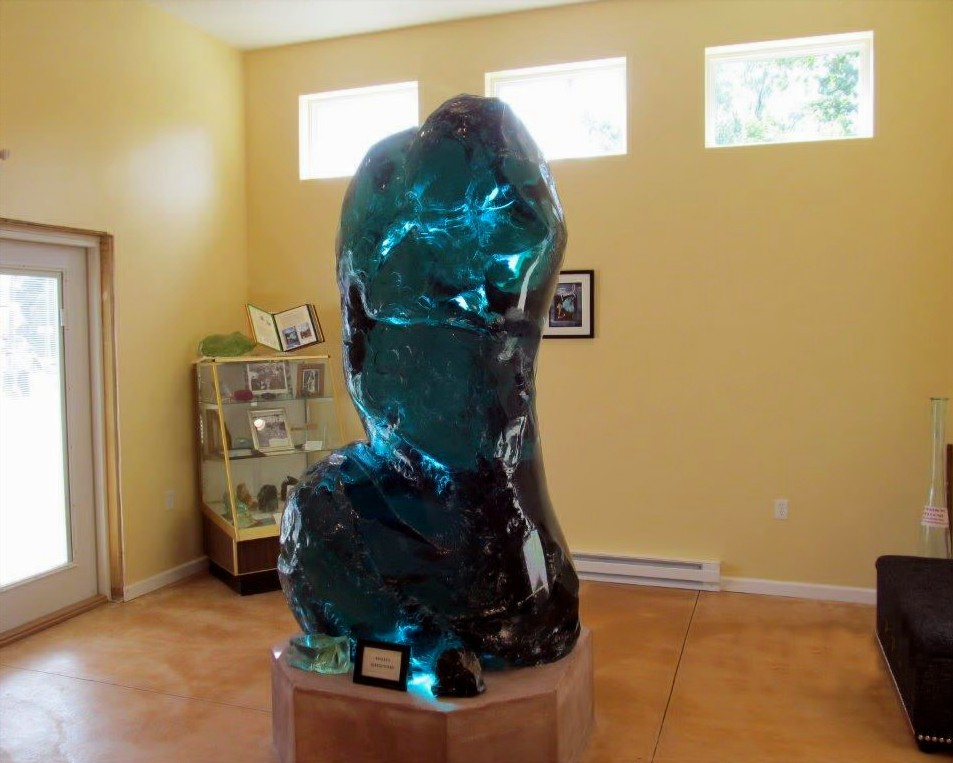 "Pascal's ""Seated Torso"" within the society's headquarters."