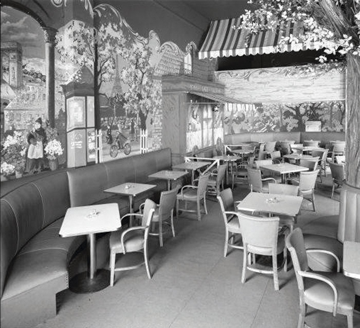 The Beaux Arts Cocktail Lounge in 1947.