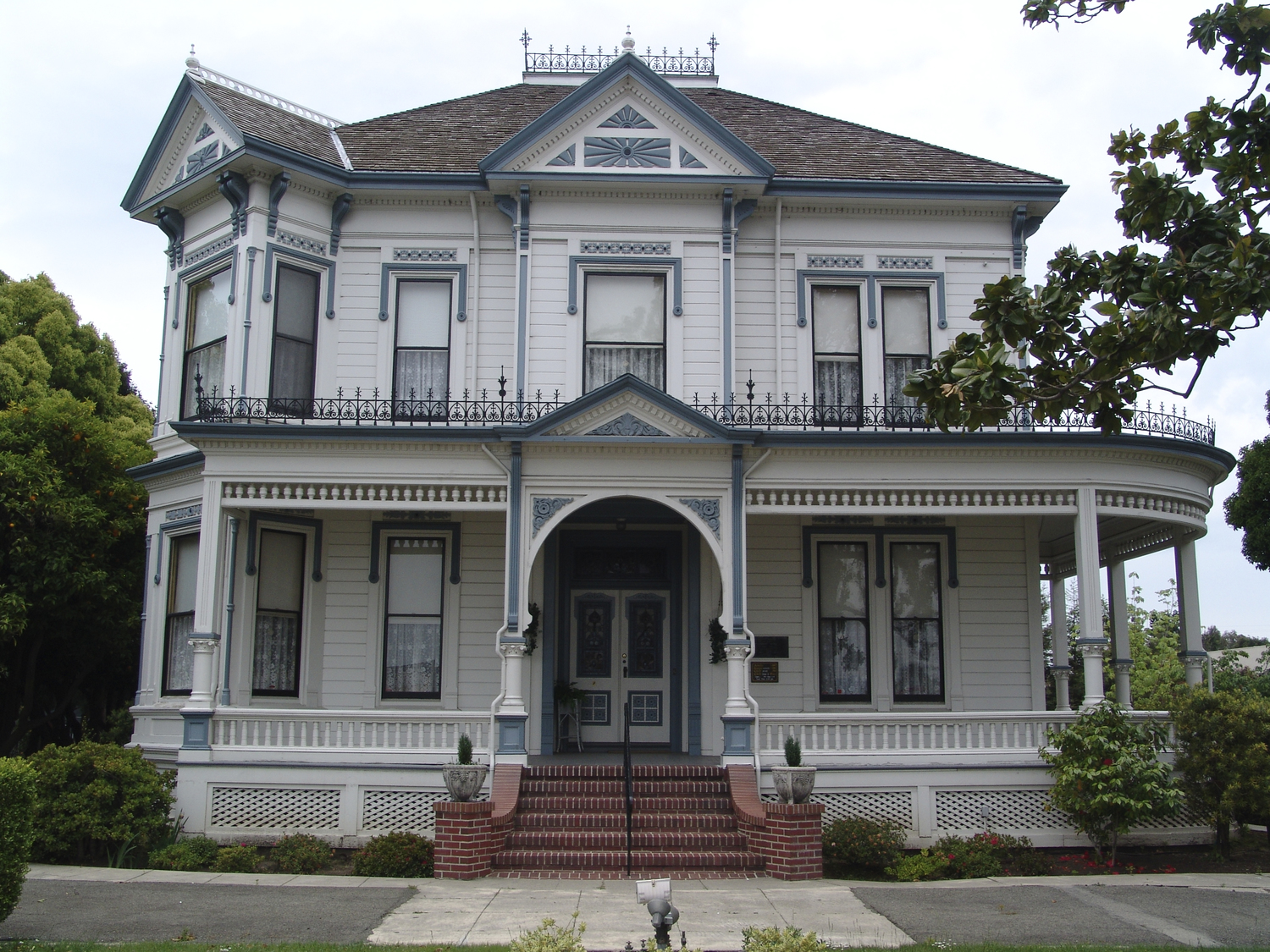 A recent photograph of the McConaghy House--an East Bay examplar of the Stick-Eastlake architectural style (HAHS).