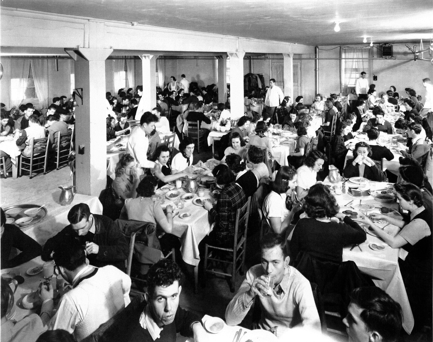 Students eating in Virginia Hall's dining room.