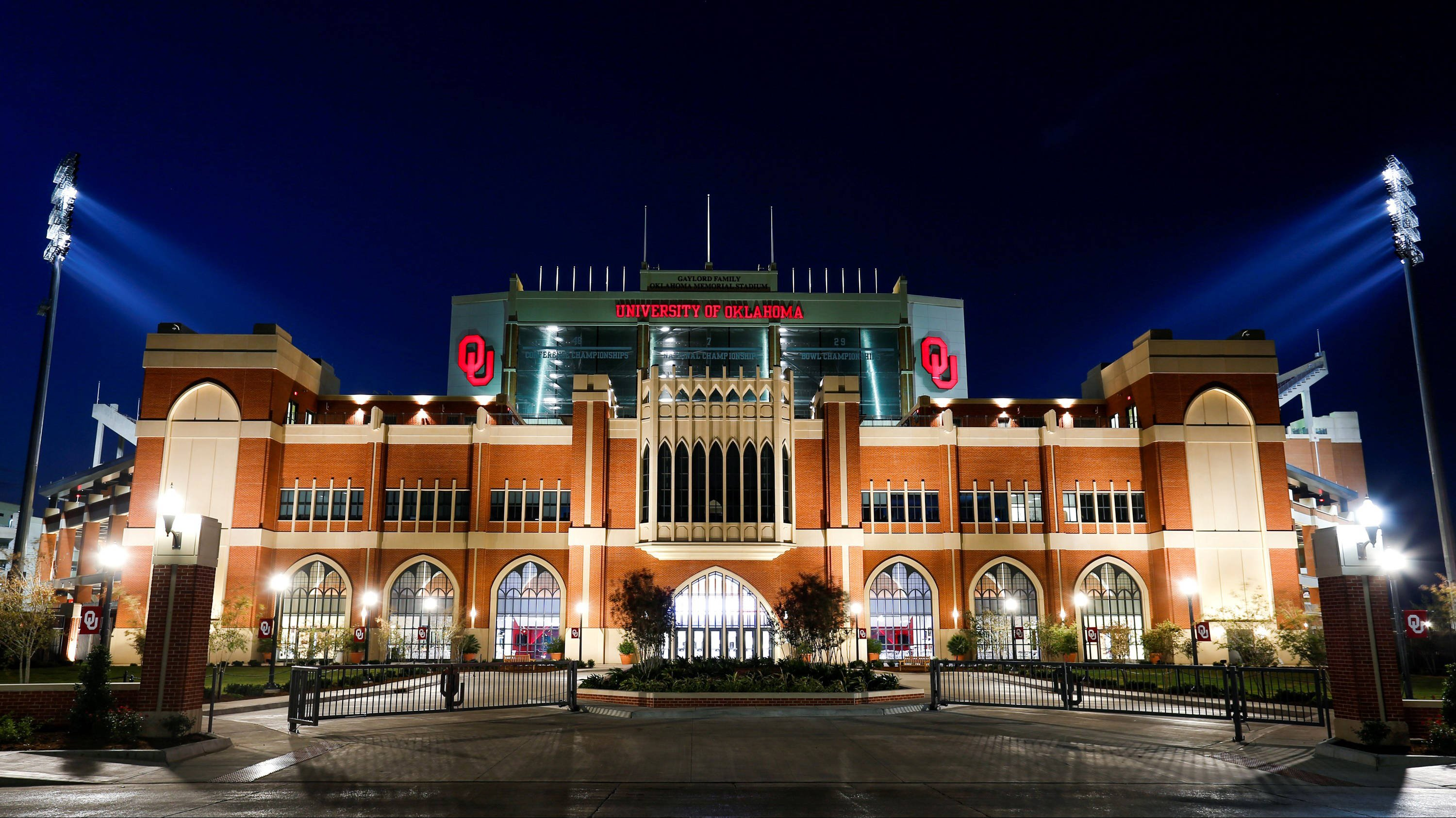 South side of Gaylord Family Oklahoma Memorial Stadium