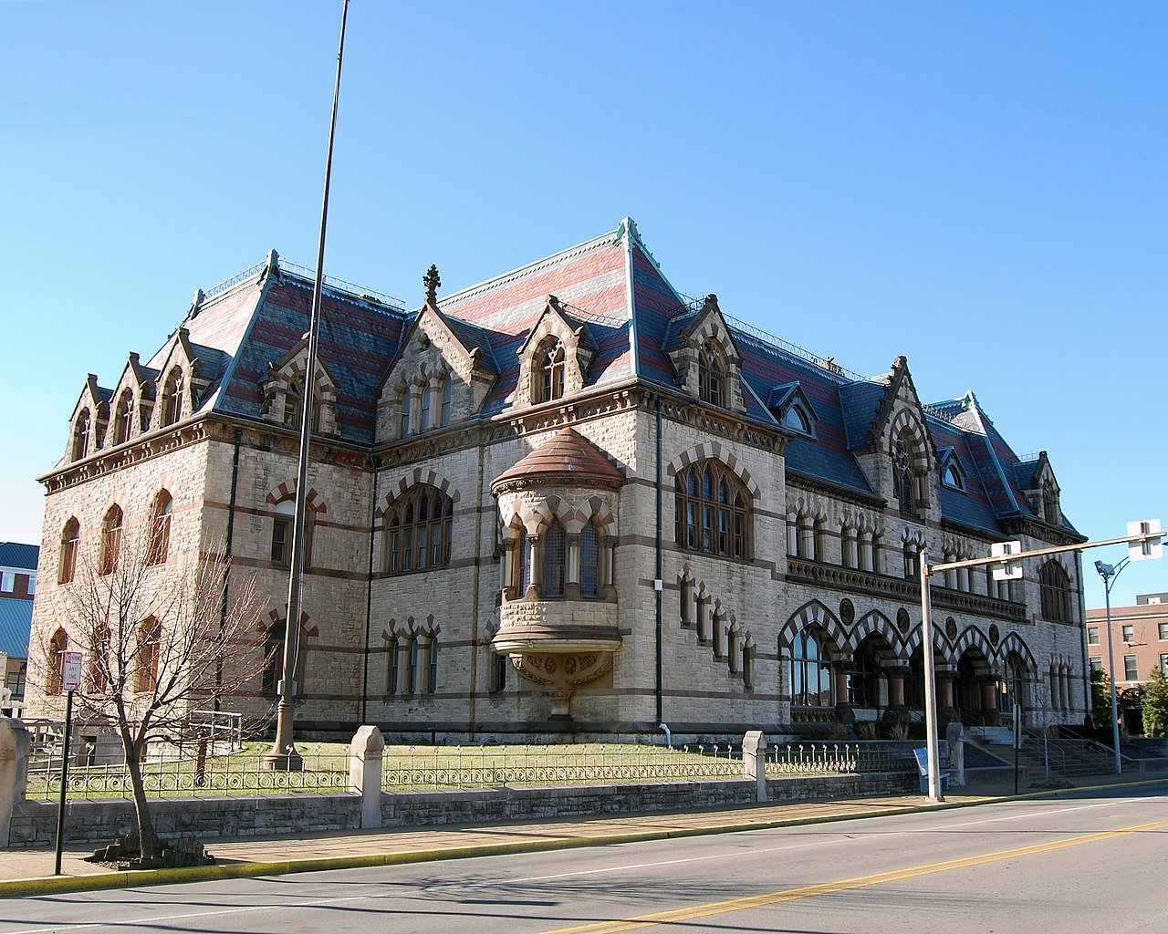 The Old United States Post Office was built in 1879 and is one of Evansville's most notable landmarks.