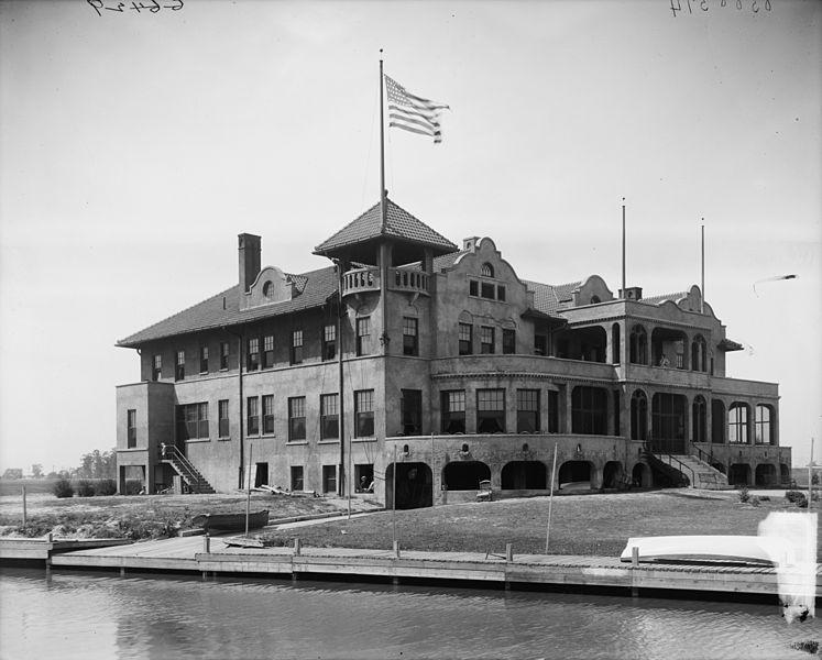 The Toledo Yacht Club between 1900-1920