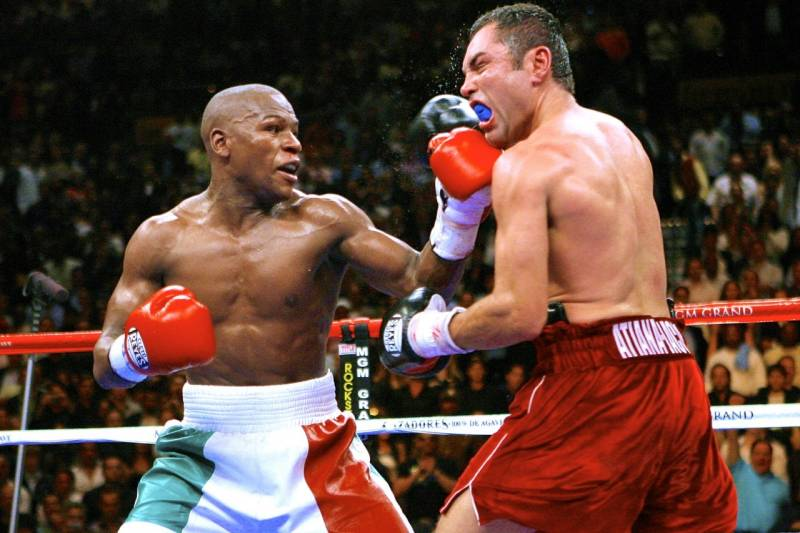 Mayweather landing a left hook