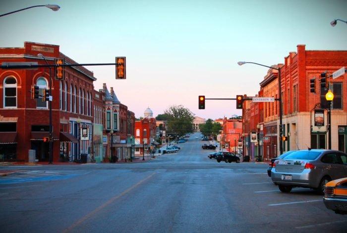 Guthrie's Division Street