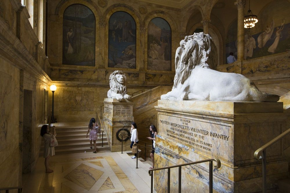 Photo of the Monuments in the Grand Staircase