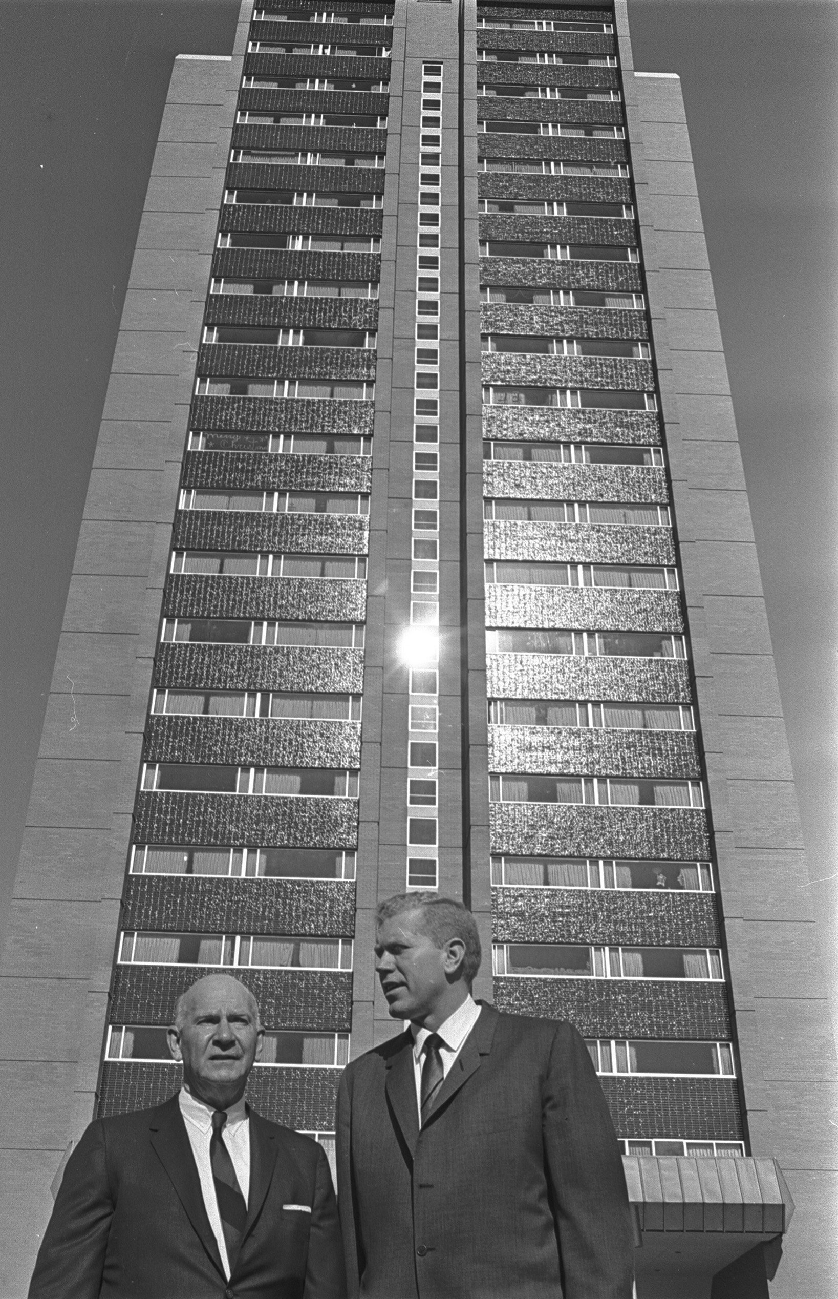 TWU President Dr. John Guinn and Texas House Speaker, Ben Barnes in front of Stark Hall (1967). Courtesy of University of Texas Arlington Libraries
