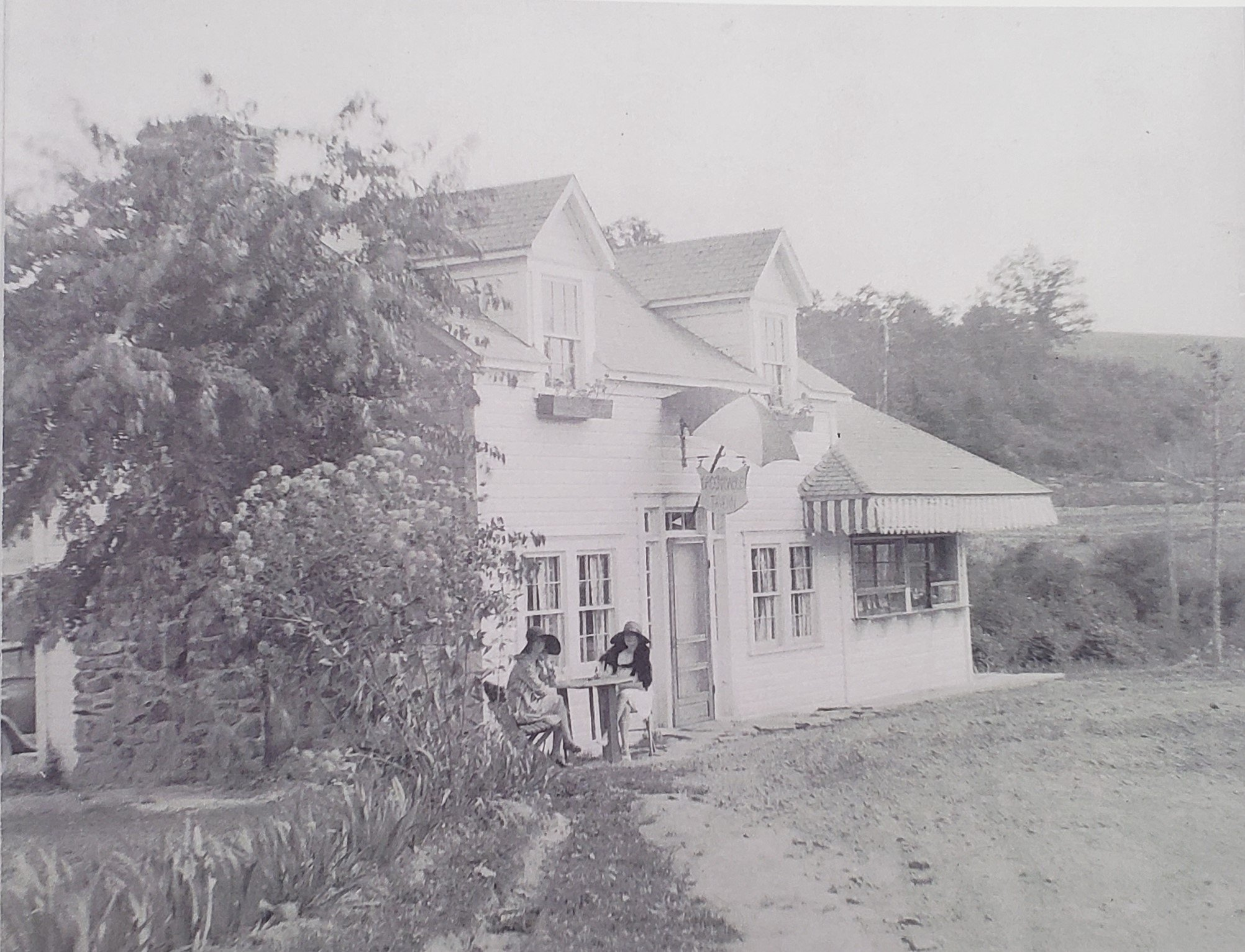 'Green Gables Tavern' after the dining room was added to the stand after a successful first year.  (Lincoln Highway Heritage Corridor Archives)