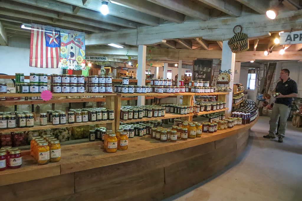 The round barn now hosts an amazing farmer's market open to the public. (Photo courtesy of Bubba's Garage Blog)