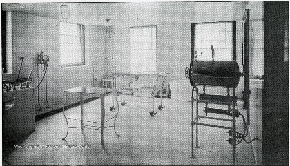 Operating room, 1920