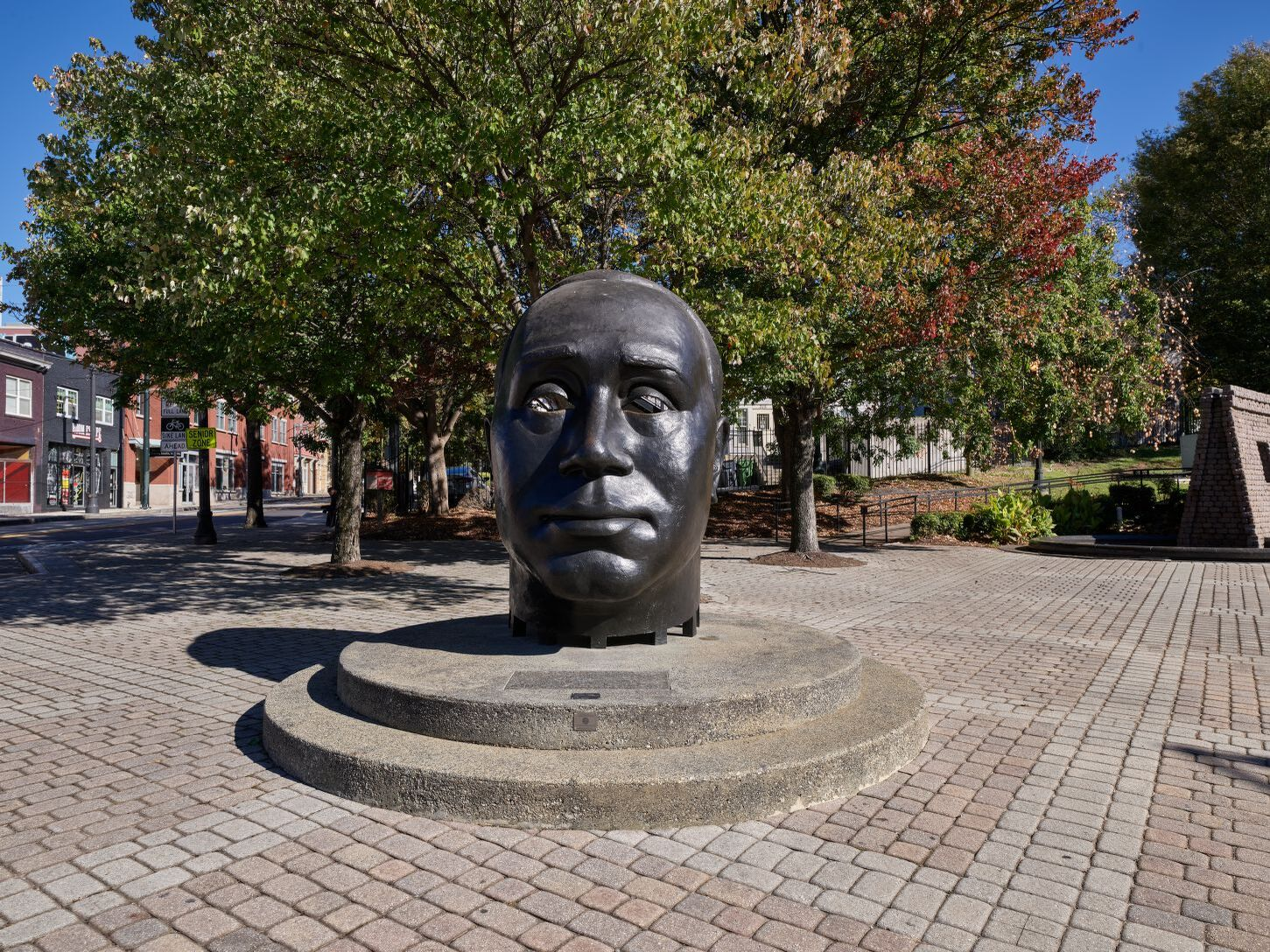 2017 photograph of John Wesley Dobbs bronze sculpture in the plaza (Highsmith 2017, Library of Congress Prints & Photographs Division)