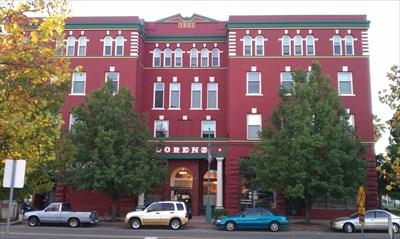 Lorenz hotel building