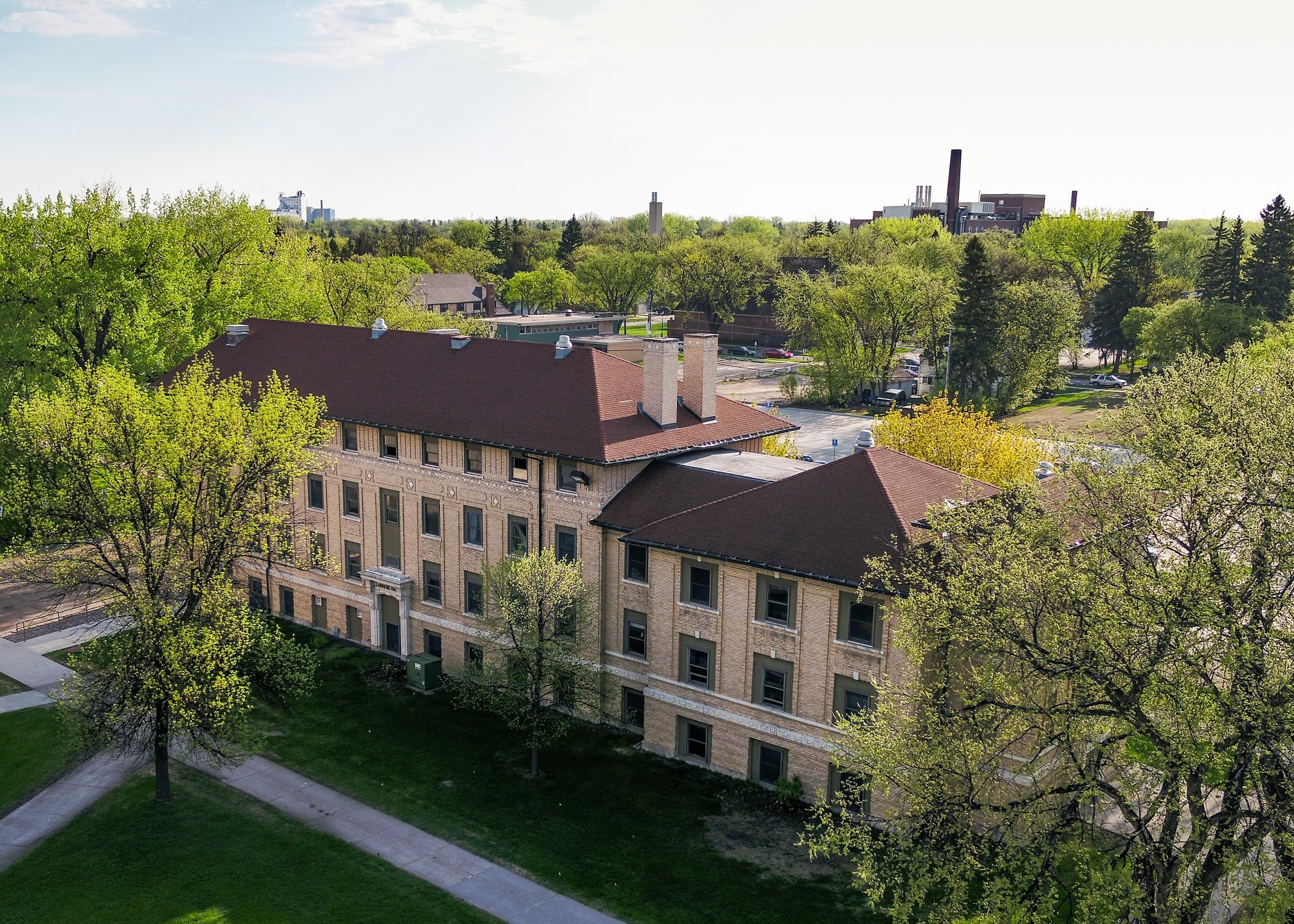 Aerial photo of Corwin-Larimore halls.
