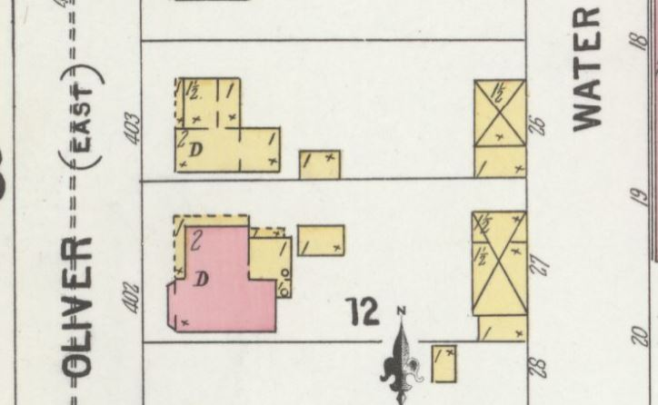 The John Oliver house as depicted on a May 1900 Sanborn-Perris fire insurance map. Brick buildings are depicted in pink. Note that East Street is named Oliver Street.
