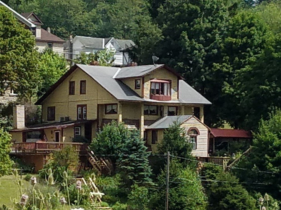The Inn opened in 2015 after the owners selected Thomas as the location for their Bed and Breakfast.